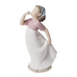 A delicate scent Nao porcelain